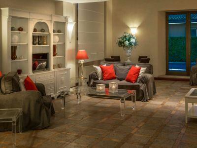 hotel-piccolo-borgo-roma-hall-7571b.jpg