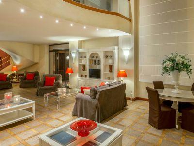 hotel-piccolo-borgo-roma-hall-7584a.jpg